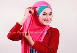 Cara Memakai Jilbab Persegi Pashmina2